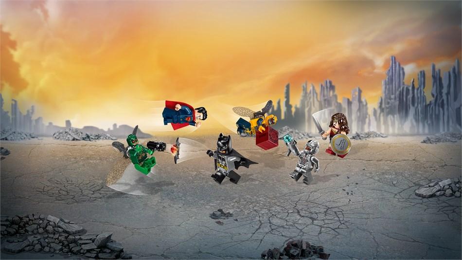 LEGO® DC Comics Super Heroes - Flying Fox Batmobil-Attacke aus der Luft - 76087