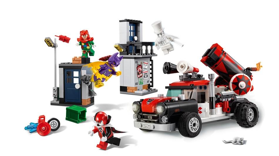 LEGO® Batman der Film - Harley Quinn™ Kanonenkugelattacke - 70921