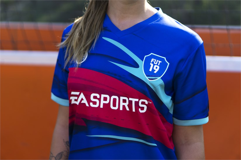 FIFA 19 - Trikot Ultimate Team (Größe XL)
