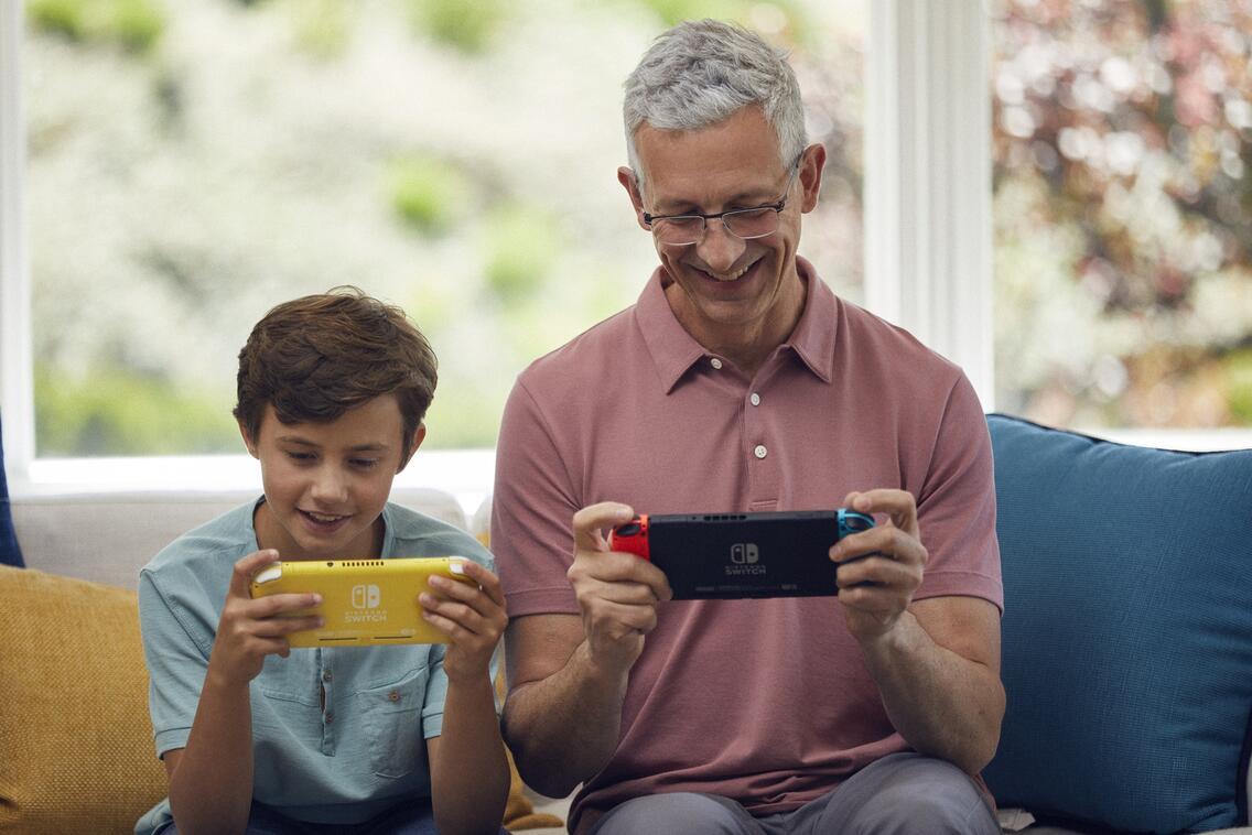 Nintendo Switch Lite Konsole Pokémon Limited Edtion Zacian und Zamazenta